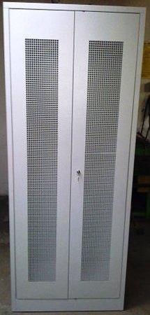 77157109 Szafa biurowa, 2 drzwi perforowane, 4 przestawiane półki (wymiary: 2000x800x500 mm)