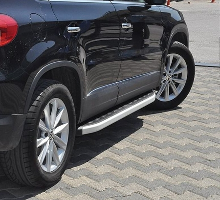Stopnie boczne - Volkwagen Tiguan 2007-2015 (długość: 171 cm) 01655778