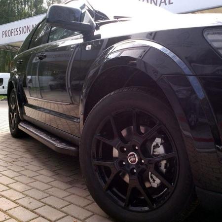 Stopnie boczne, czarne - Jeep Cherokee KL 2014+ (długość: 182 cm) 01655912